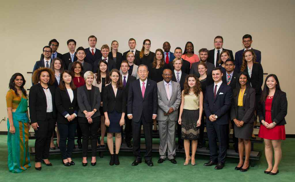 Secretary-General Ban Ki-moon (front, centre) meets with youth delegates of the sixty-ninth session of the General Assembly. On his left is Tegegnework Gettu, Under-Secretary-General for General Assembly and Conference Management.