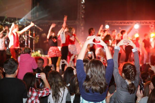 isterie-la-concertul-lala-love-lala-band-a-ridicat-sala-palatului-in-picioare_15