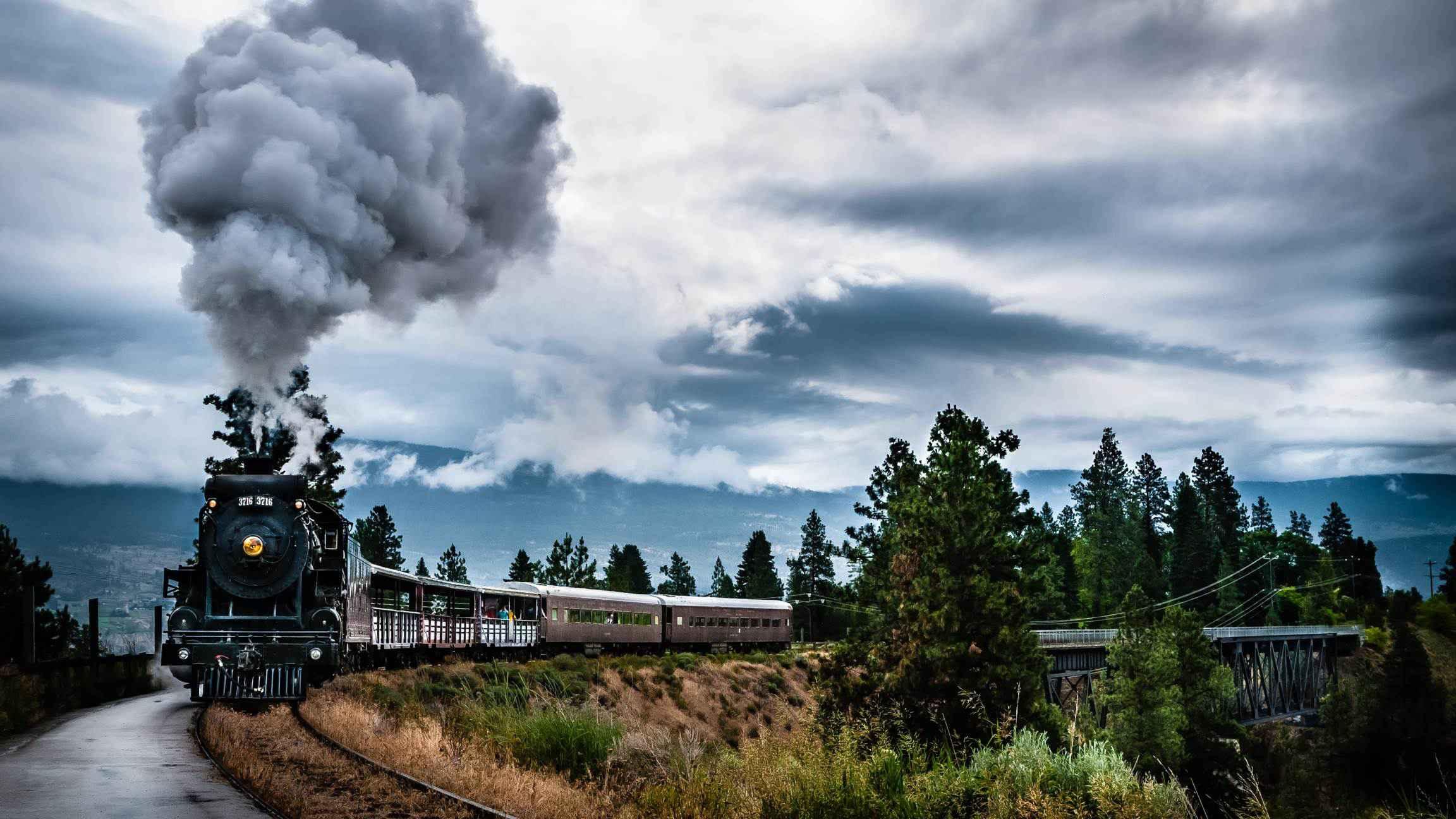 """Greva CFR pe scurt: """"Nu știm dacă vine trenul, ziceți mai repede ce bilet vă dau!"""""""