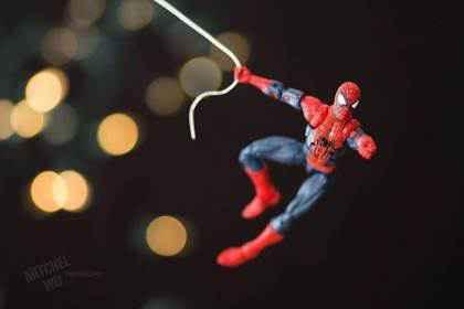 Fotograful care aduce jucăriile la viață - Spiderman
