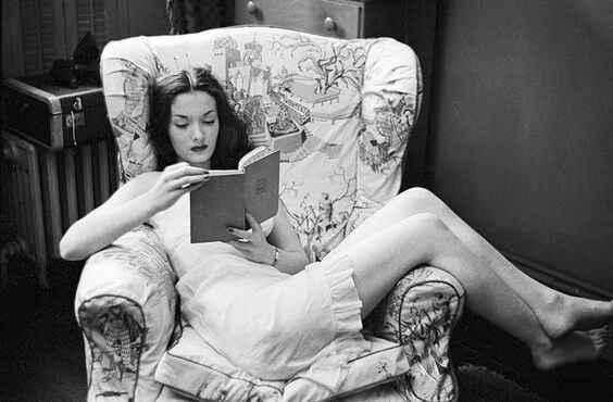 Cinci motive pentru care cititul este o activitate destresantă