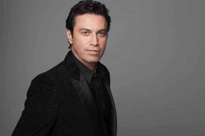 Mario Frangoulis în premieră în România