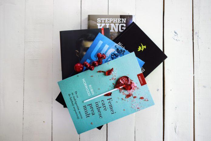 libris luna decembrie